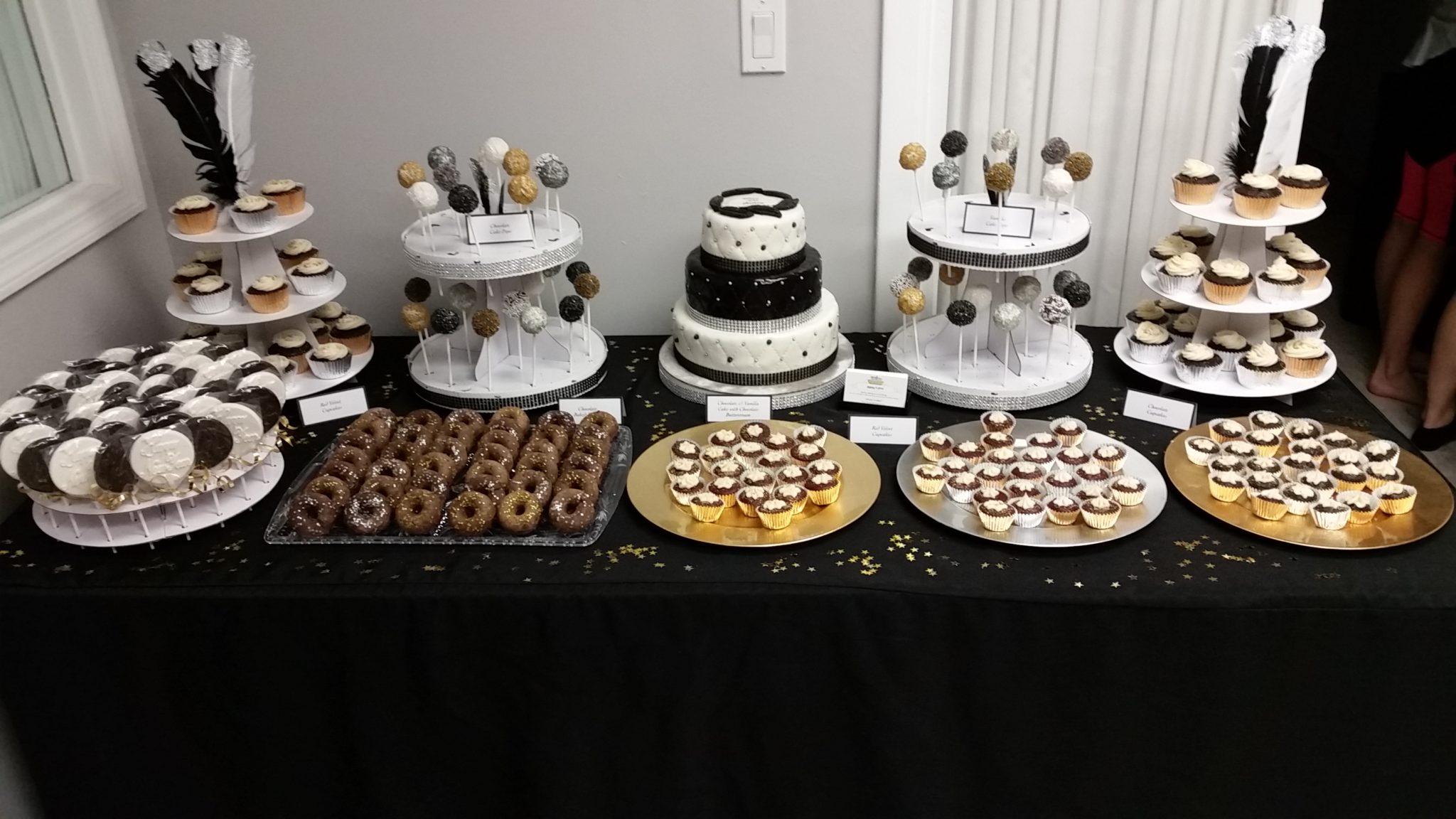 Mesa de postres para a o nuevo pasteles d 39 lul - Postres para mesa de dulces ...