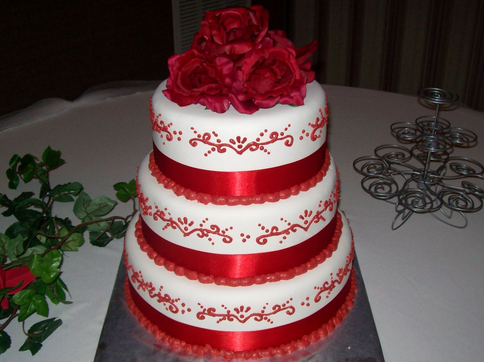 Red Colour Cake Images : Pasteles de Boda - Pasteles D  Lul?